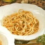 Спагетти с соусом